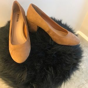 Brand new from Just Fab size 5.5